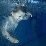 Kdo neplave není Čech – zájem o kurzy plavání je obrovský