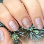 Přirozená manikúra a lakování  – trendy v péči o ruce, zdravé a krásné nehty