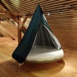 zavesne-postele-interier