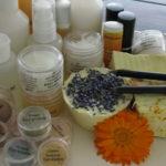 Jak si vyrobit svoji dekorativní kosmetiku? Workshop s profesionály.