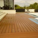 Dřevoplast ve wellness a na zahradě - elegantní a bezúdržbový materiál