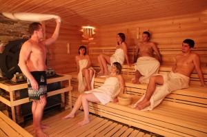 saunový ceremoniál, foto:WELLNESS HORAL. Resort Valachy