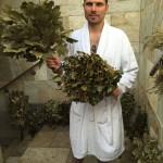Metličkování v sauně - saunová lahůdka -větvičky v sauně