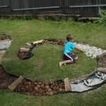Dětské wellness - inspirace pro děti - outdoor wellness  venku - relaxační chodníček