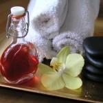 Třezalkový olej v kosmetice a při masážích, macerát z třezalky