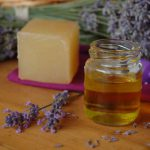 Ruční výroba mýdla, šamponu a kosmetiky, seminář s Jan Benham - výroba přírodní kosmetiky